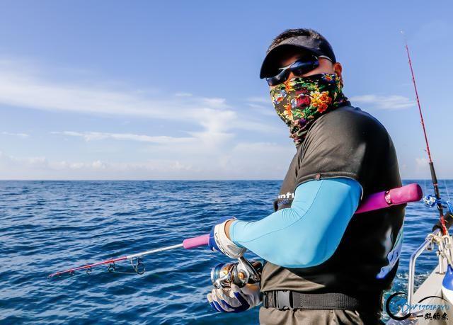 钓鱼人打拼多年积累下的渔具,年老时不知能换多少个不锈钢盆-8.jpg