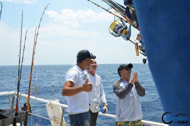 钓鱼人打拼多年积累下的渔具,年老时不知能换多少个不锈钢盆-12.jpg