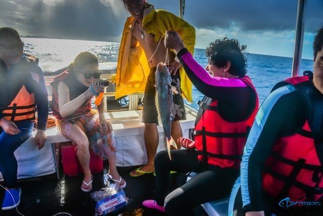 在帕劳海钓是一种啥感受?什么!手线钓鱼怎么钓?-2.jpg