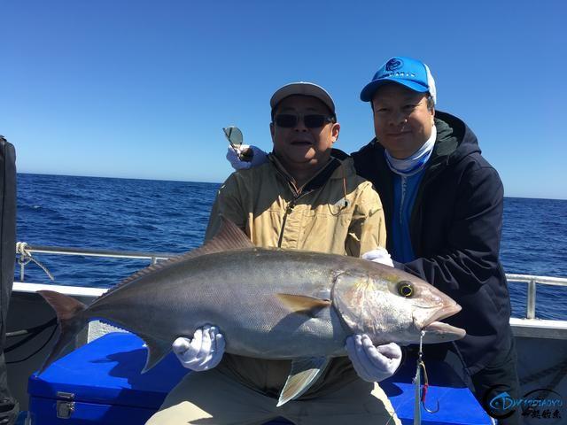 见过无数的钓鱼,但是像这样奢侈的钓鱼还真的是第一次见-6.jpg