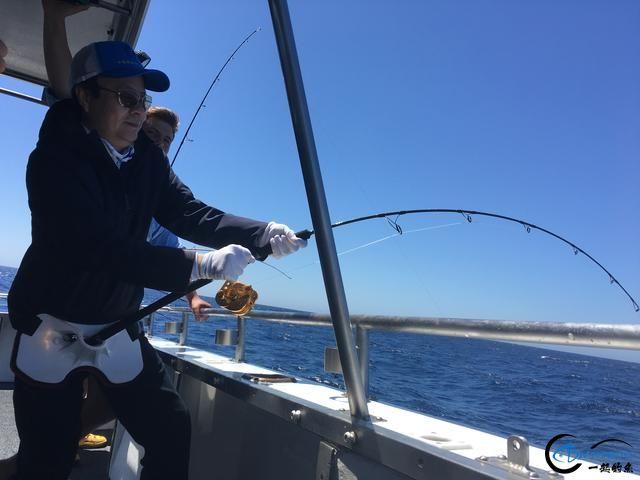 见过无数的钓鱼,但是像这样奢侈的钓鱼还真的是第一次见-8.jpg