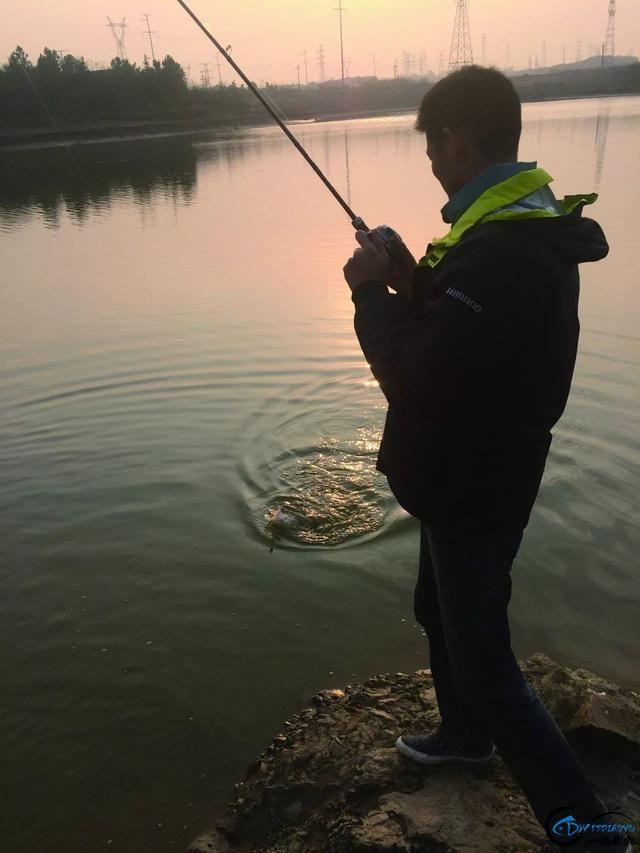 路亚大师的鳜鱼钓法,偷偷学一下!-1.jpg
