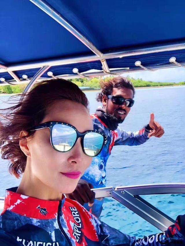 游钓马尔代夫体验了这辈子最疯狂的一次海钓!整个船都钓满了-9.jpg