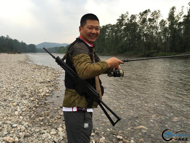 中国钓鱼人游钓俄罗斯天堂钓场超牛装备,让国内钓友都开开眼-16.jpg