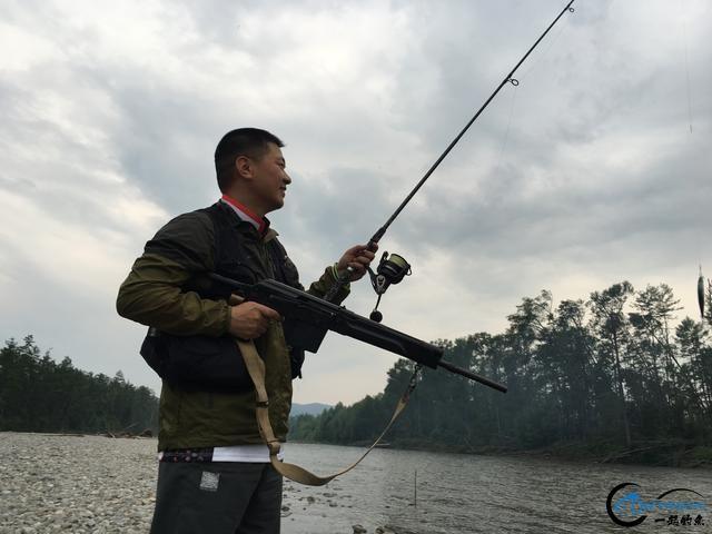 中国钓鱼人游钓俄罗斯天堂钓场超牛装备,让国内钓友都开开眼-18.jpg