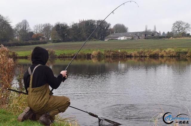 美国钓鱼人就用这样粗劣的鱼饵,而渔获却甩中国钓友十八条街-6.jpg