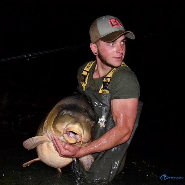 美国钓鱼人就用这样粗劣的鱼饵,而渔获却甩中国钓友十八条街-19.jpg