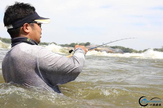 游钓亚马逊的中国钓鱼人,这是用生命在钓鱼啊,渔获真过瘾-2.jpg
