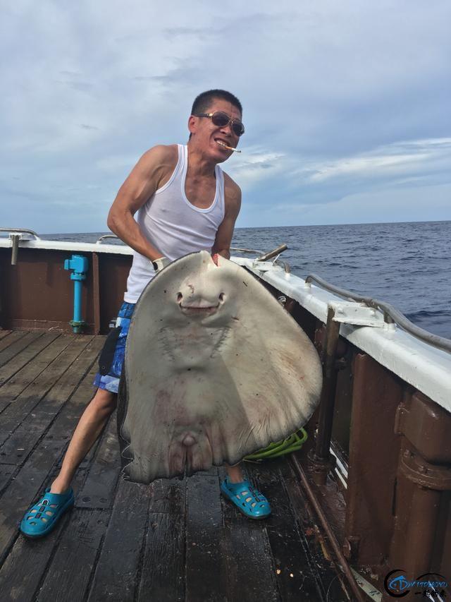 还有比这样钓鱼更拉仇恨的方式吗?简直就是赤裸裸的炫富啊-3.jpg