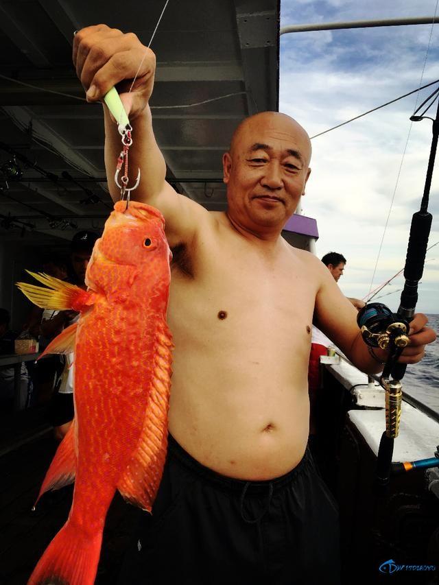 还有比这样钓鱼更拉仇恨的方式吗?简直就是赤裸裸的炫富啊-7.jpg