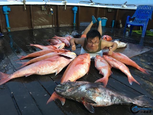 还有比这样钓鱼更拉仇恨的方式吗?简直就是赤裸裸的炫富啊-23.jpg