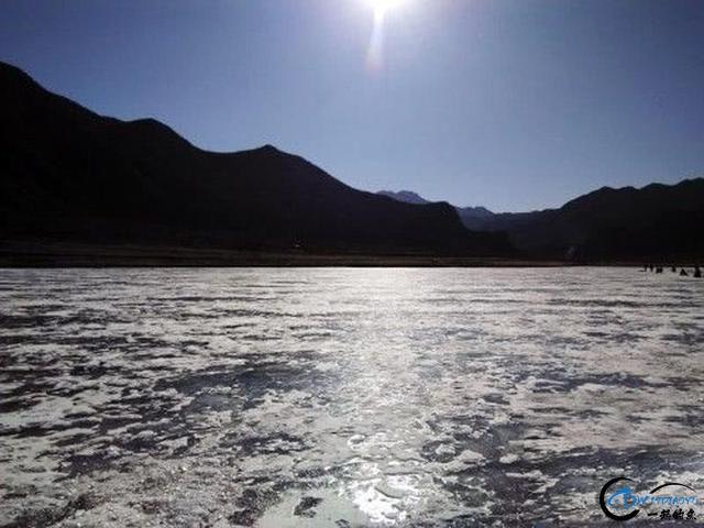 """在北方冰钓""""小公鱼""""要是碰上鱼窝,那杆就根本停不下来-16.jpg"""