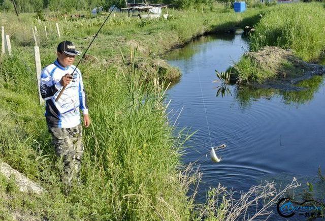 新疆钓鱼的风景太美了,我自己都没勇气看-7.jpg