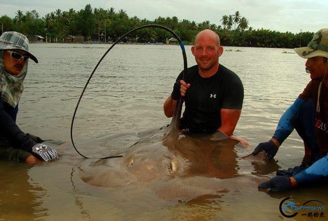 世界最巅峰的湄公河魔鬼鱼挑战赛,中国钓鱼人竟还是一片空白-13.jpg