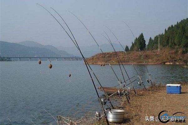 冬季钓鱼,大小水域应该如何选?-3.jpg