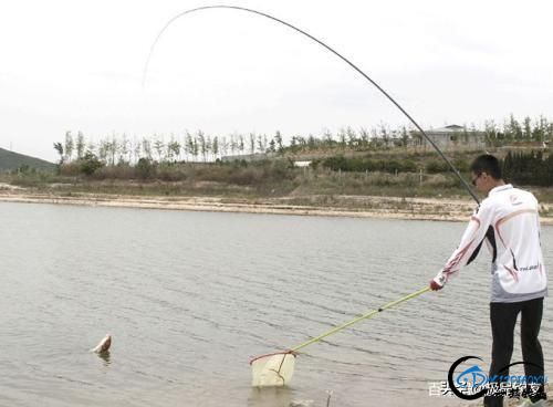钓鱼:还在为野钓走水而发愁吗-1.jpg
