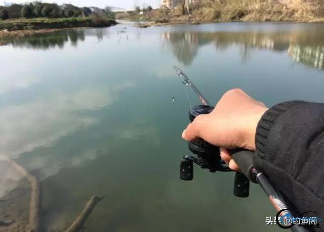 """野钓时上钩的不止是鱼,还有这些""""奇葩物""""!钓鱼人都经历过-3.jpg"""