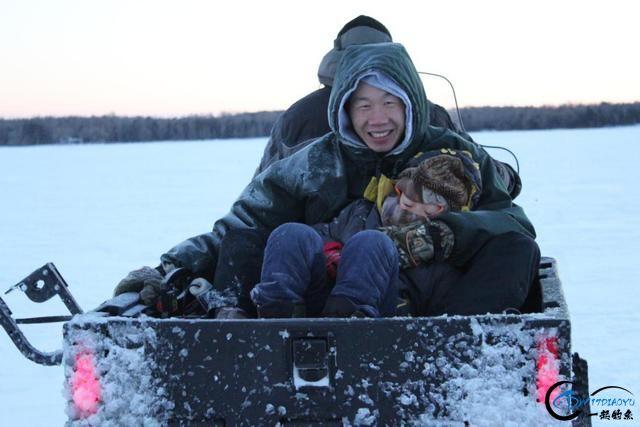冰钓鲟鱼湾,20多条白鱼收入囊中……-12.jpg