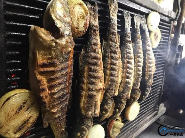 网友建议美国引进中国大厨来消灭亚洲鲤鱼,美国大厨表示抗议-16.jpg