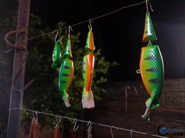 高手果然在民间,牛人不舍得买路亚鱼饵竟自己做,这手艺绝了-25.jpg