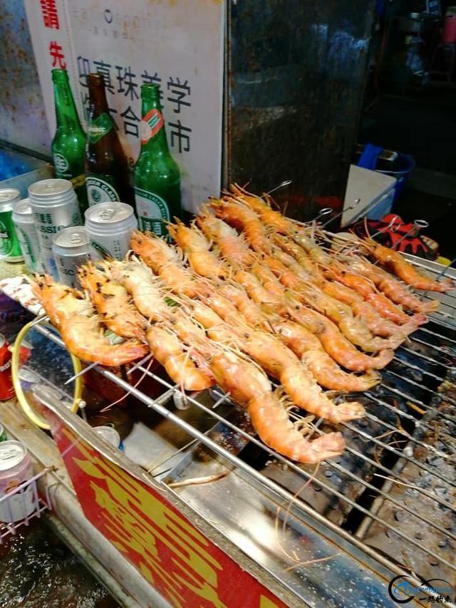 中国钓友组团去越南湄公河剿灭泛滥的罗氏虾,虾大的都成精了-18.jpg
