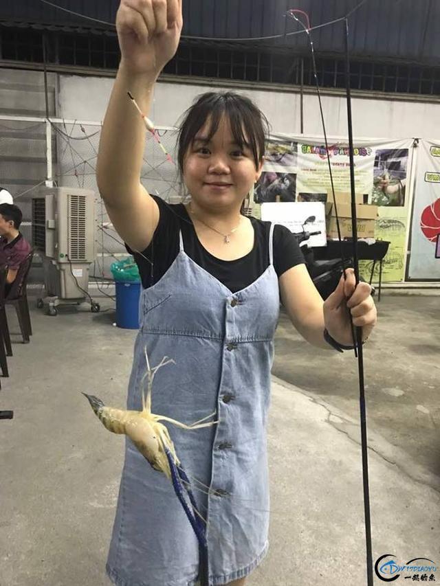 中国美女主播求放过越南的罗氏虾,有本事朝我来,我受的住!-12.jpg