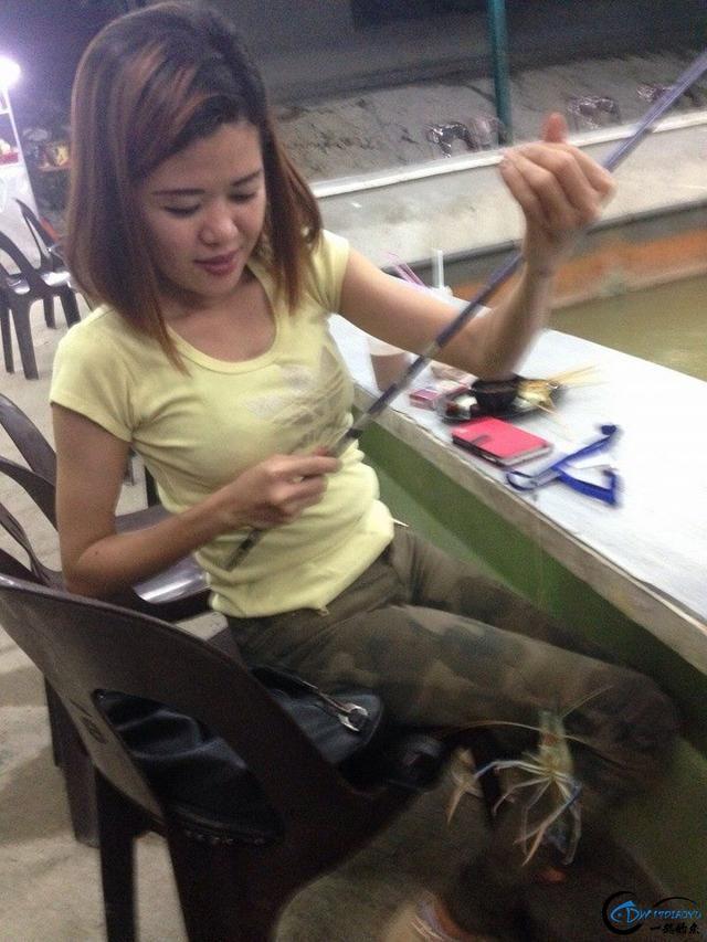 中国美女钓虾团远征越南罗氏虾,这钓获势必引发国内钓虾狂潮-8.jpg