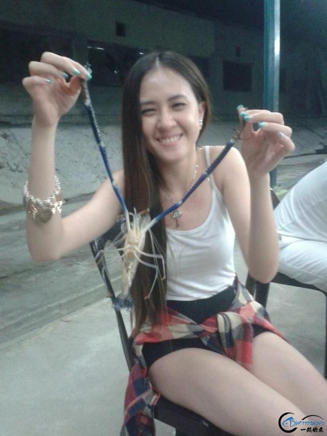 中国美女钓虾团远征越南罗氏虾,这钓获势必引发国内钓虾狂潮-2.jpg