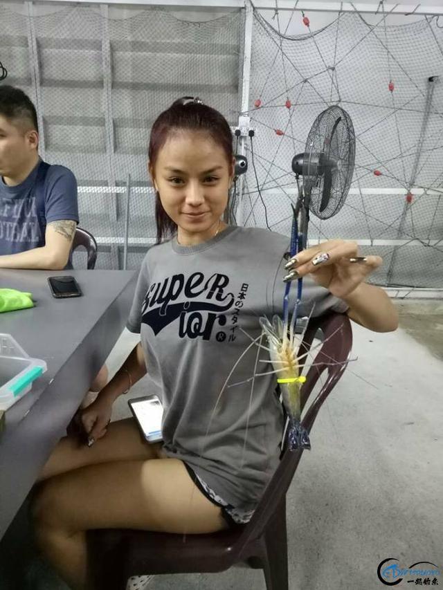 中国美女钓虾团远征越南罗氏虾,这钓获势必引发国内钓虾狂潮-13.jpg