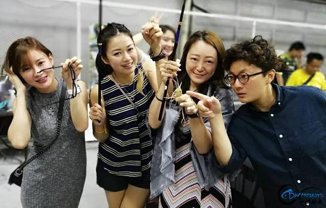 中国美女钓虾团远征越南罗氏虾,这钓获势必引发国内钓虾狂潮-15.jpg