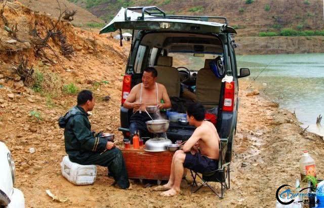 无兄弟,不钓鱼,致陪伴在钓鱼路上的兄弟-9.jpg